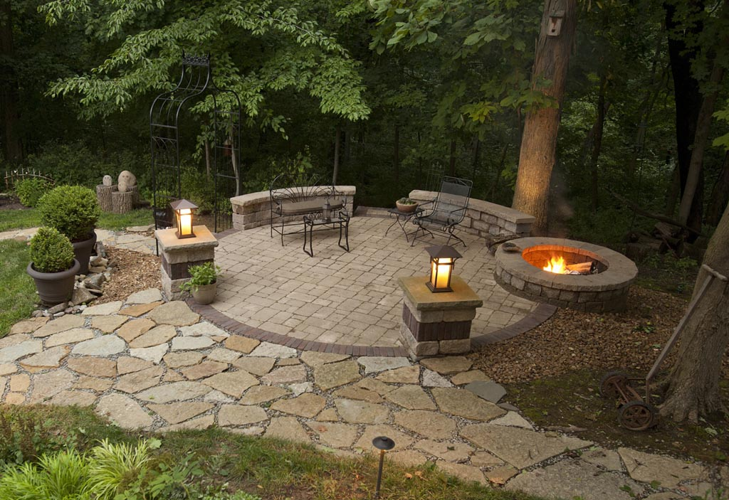 Image of: Elegant Patio and Firepit Ideas