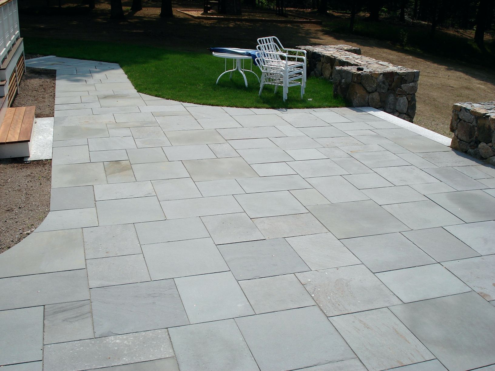 Image of: Garden Patio Slab Ideas