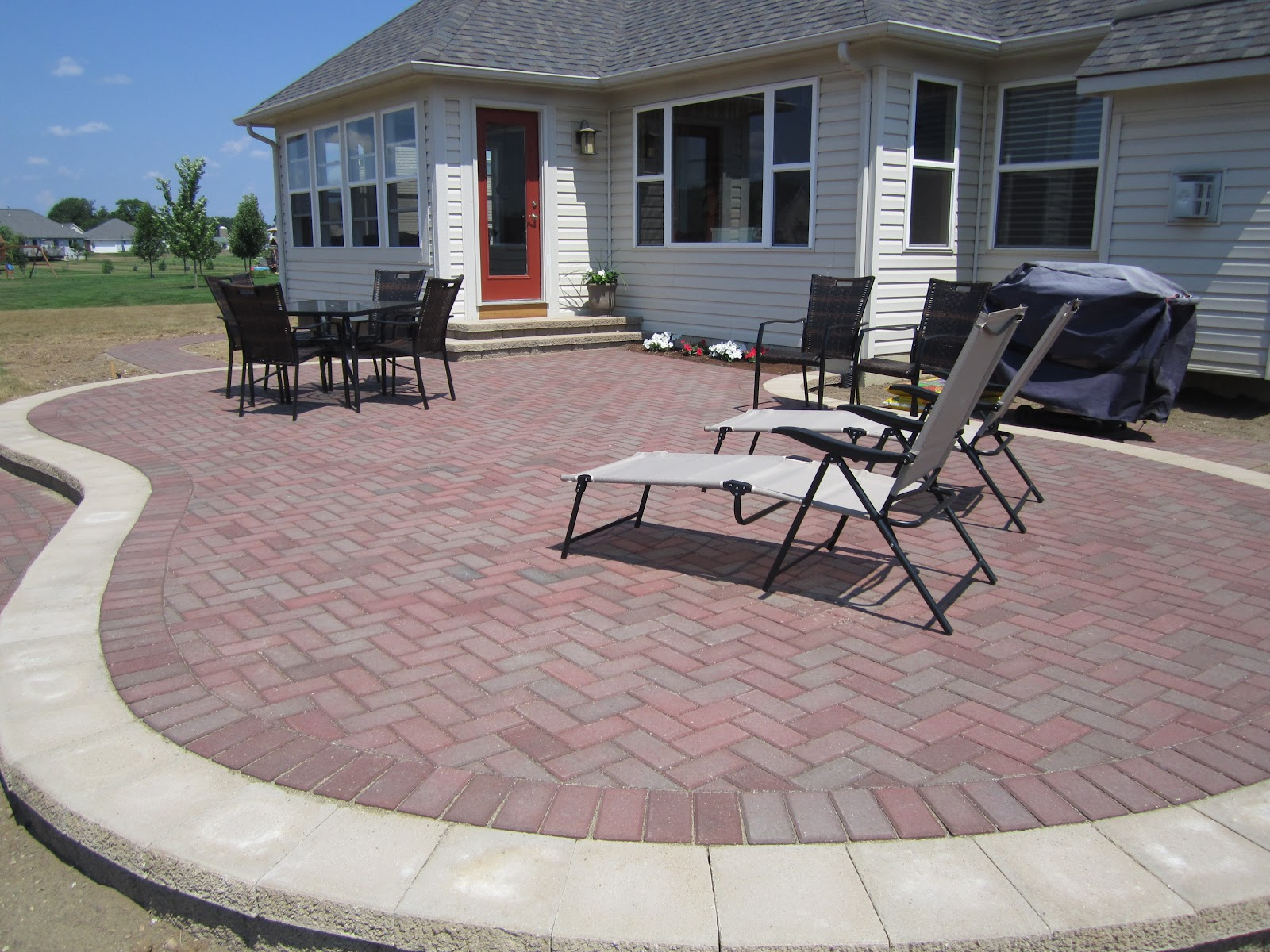 Image of: Landscape Brick Paver Patio Ideas