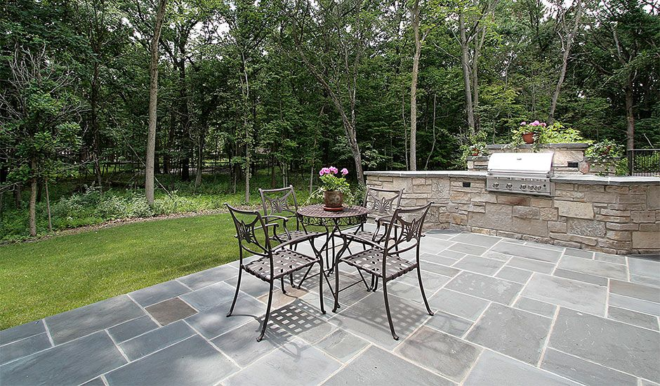 Image of: Laying Outdoor Patio Tile Ideas