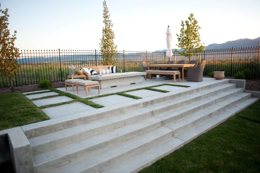 Image of: Modern Concrete Patio Design Ideas