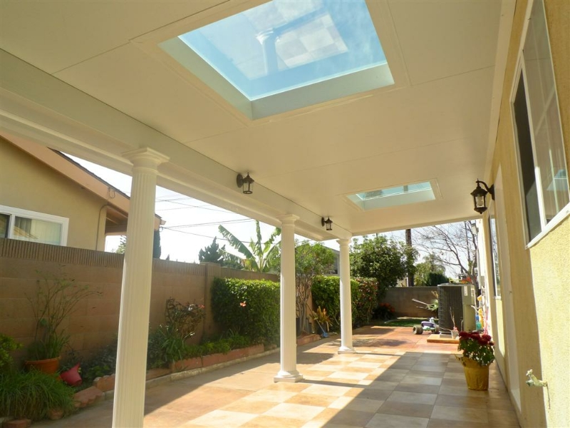 Image of: Modern Top Insulated Patio Cover Design