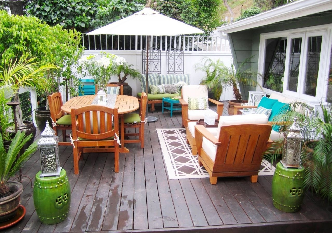 Image of: Outdoor Patio Decor Ideas Items