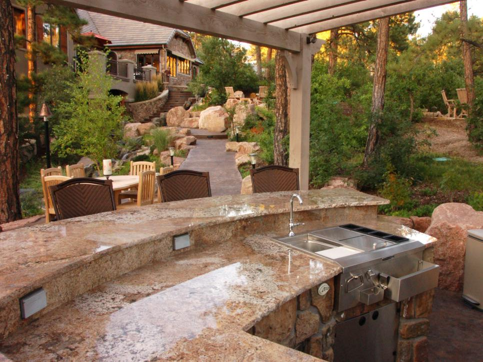 Image of: Outdoor Patio Kitchen Ideas Designs