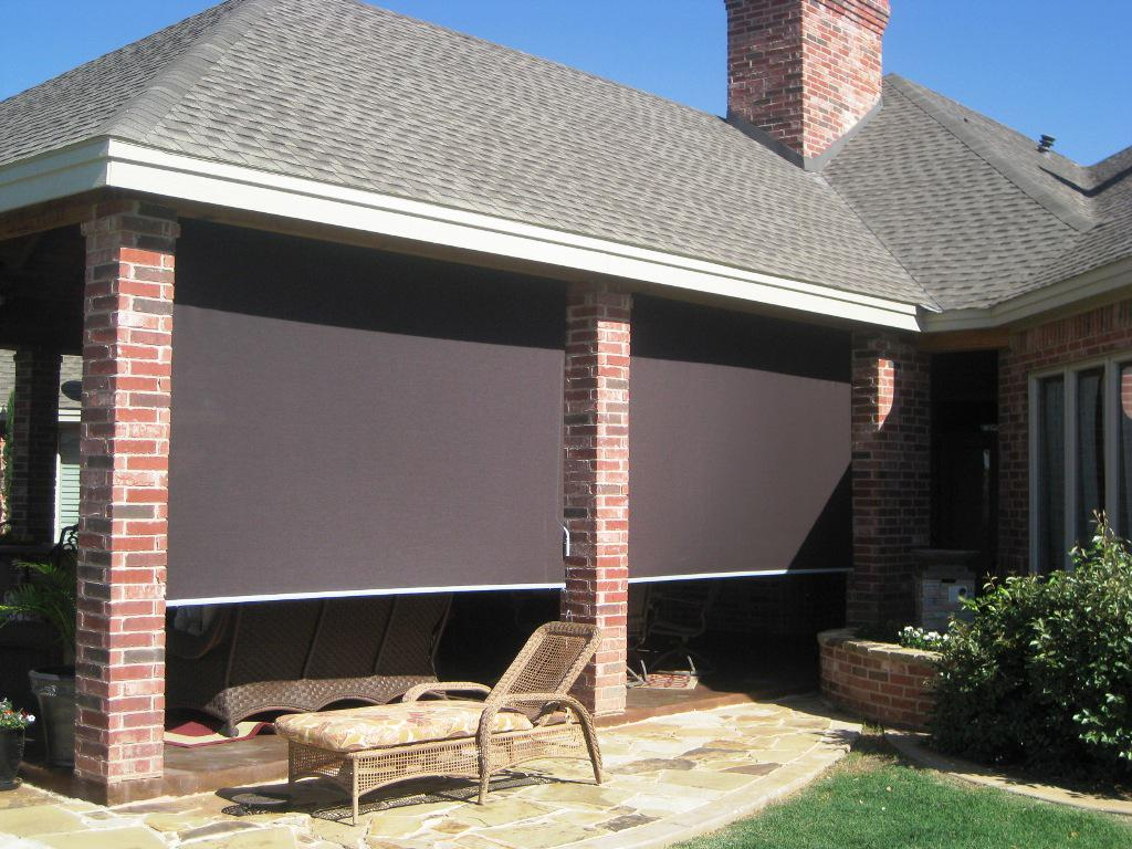 Image of: Patio Blinds Ideas Roll