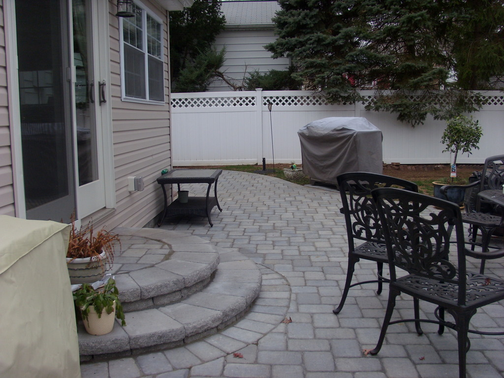 Image of: Patio Paver Design Ideas Gray