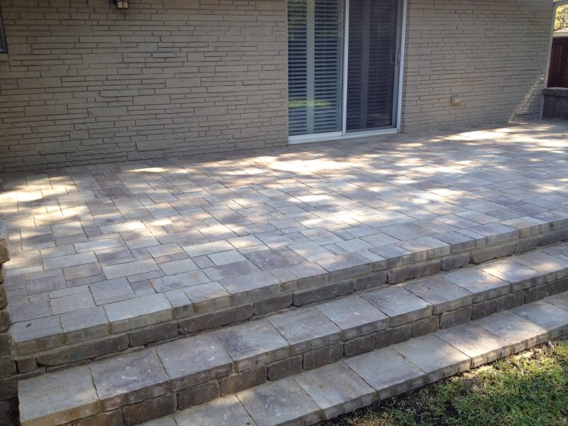 Image of: Patio Paver Design Ideas With Steps
