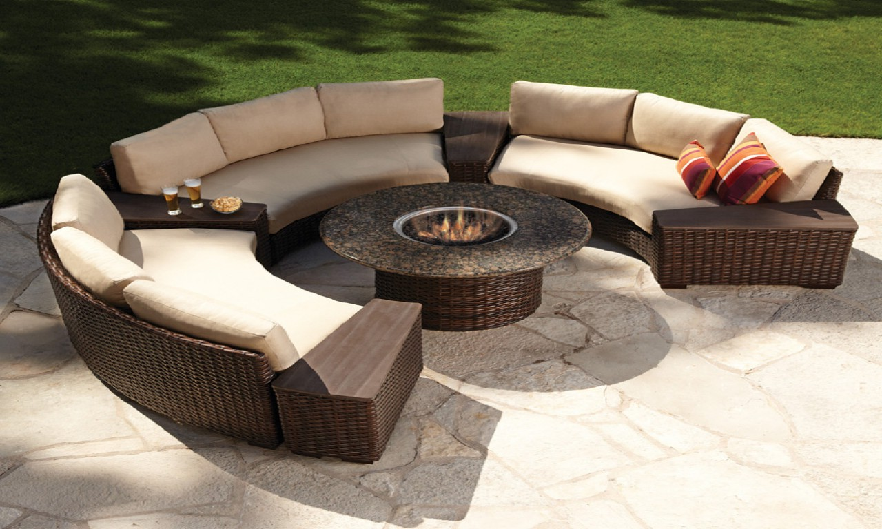 Image of: Patio Table Ideas Fireplace