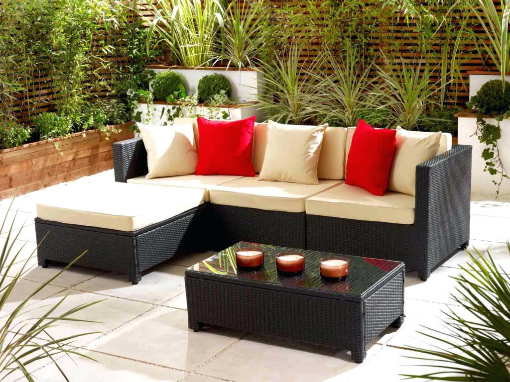 Image of: Rattan Outdoor Patio Table Cover