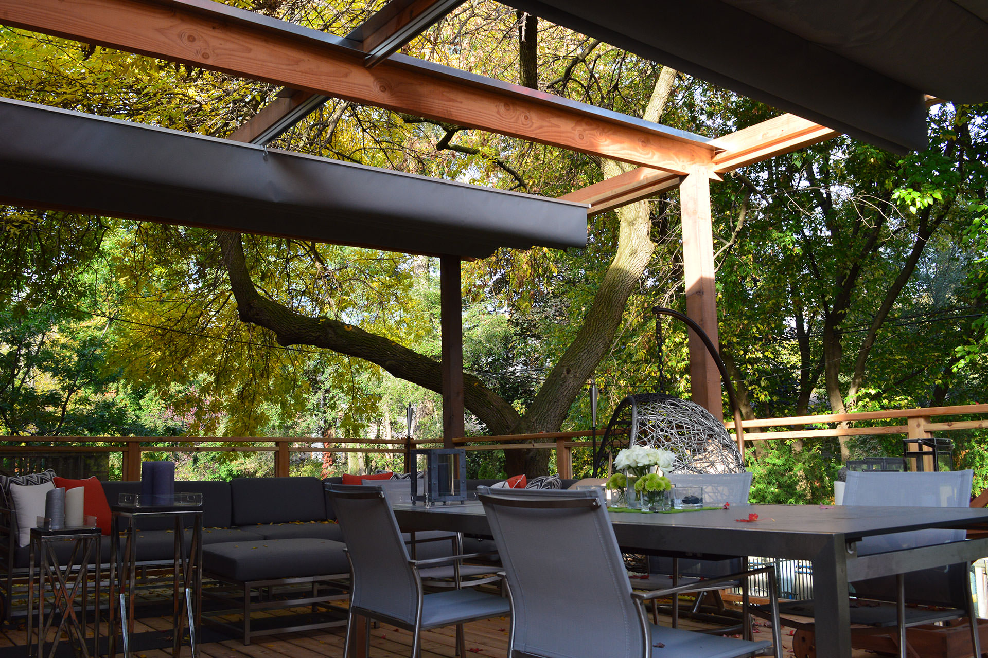 Image of: Retractable Patio Cover Awesome