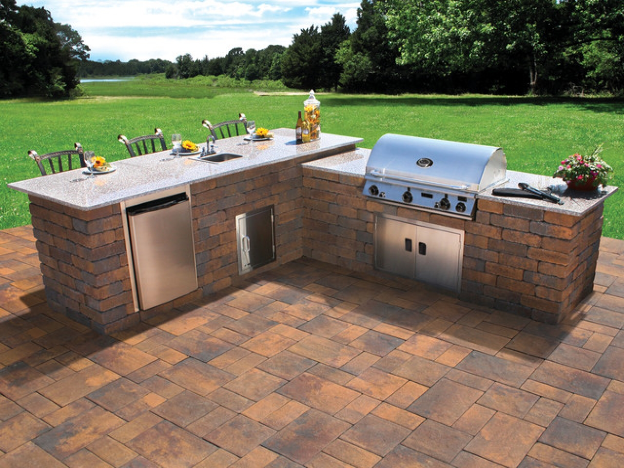 Image of: Review Backyard Grill Patio Ideas
