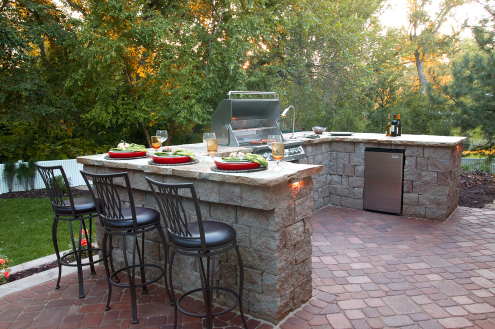 Image of: Simple Backyard Grill Patio Ideas