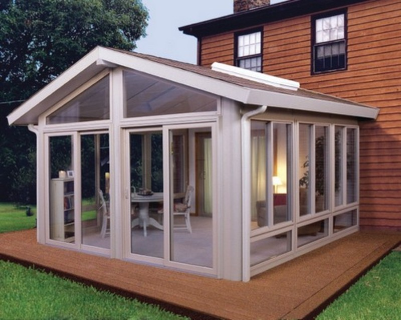 Image of: Small Enclosed Patio Ideas