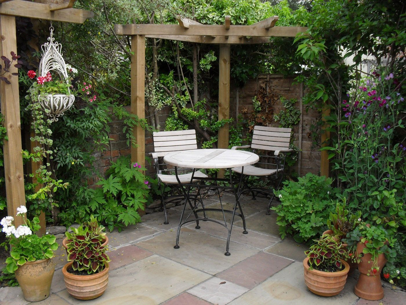 Image of: Small Patio Design Ideas Plant