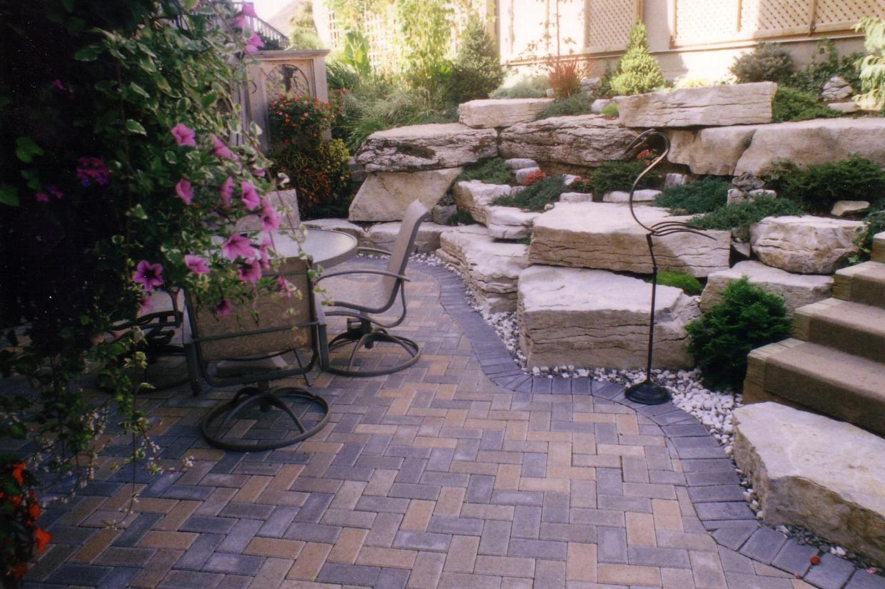 Image of: Small Patio Landscaping Ideas Paver