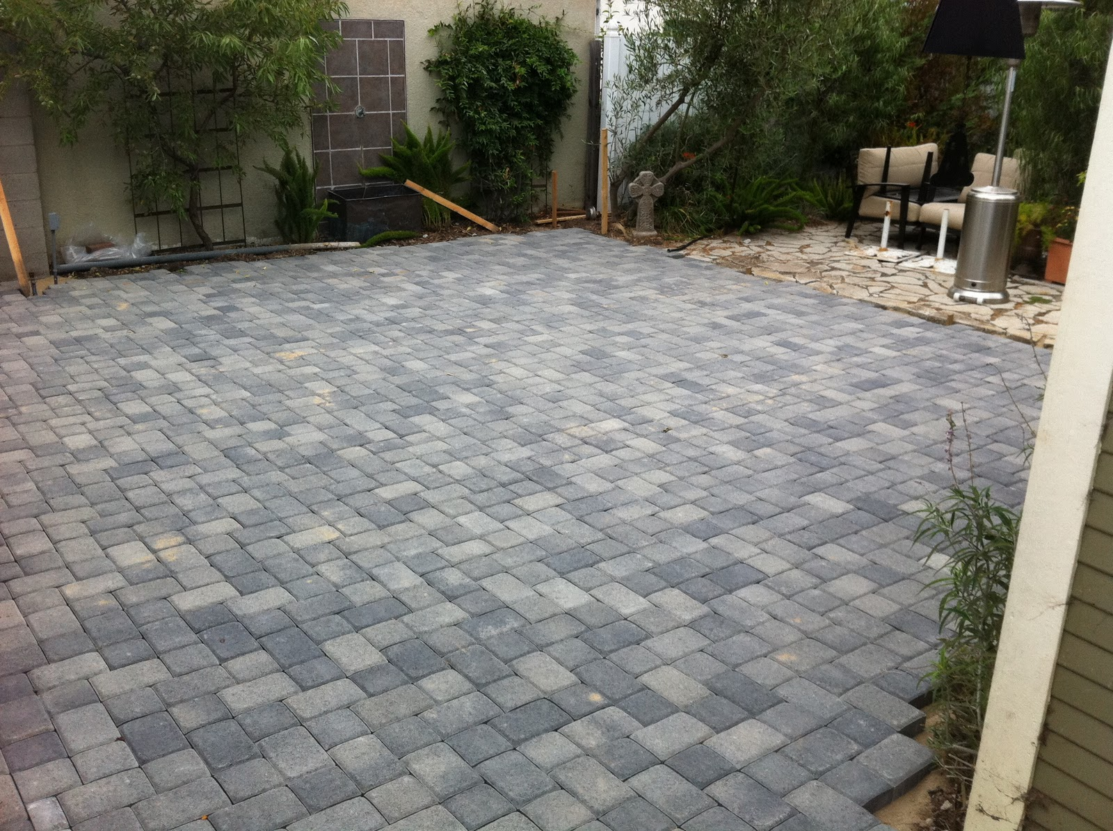 Image of: Small Paver Patio Ideas Applying