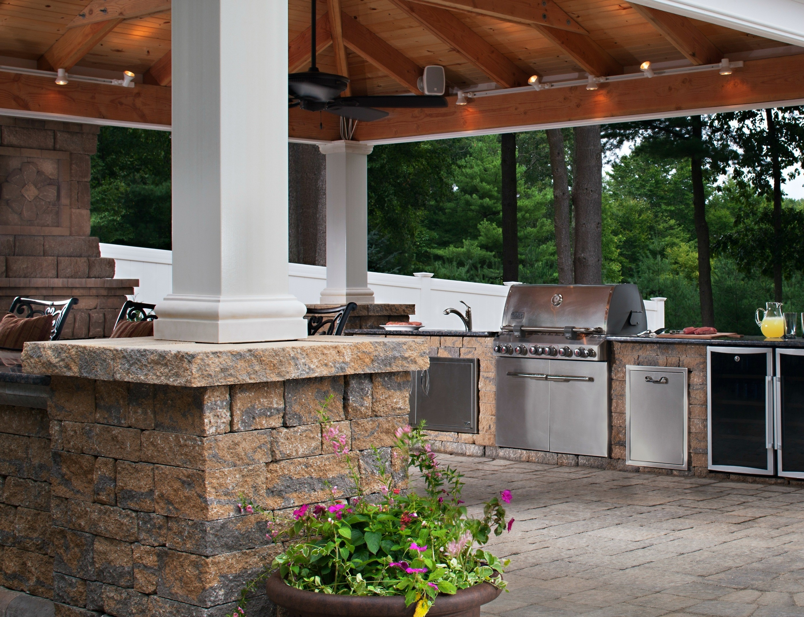 Image of: Bbq Grill Patio Ideas