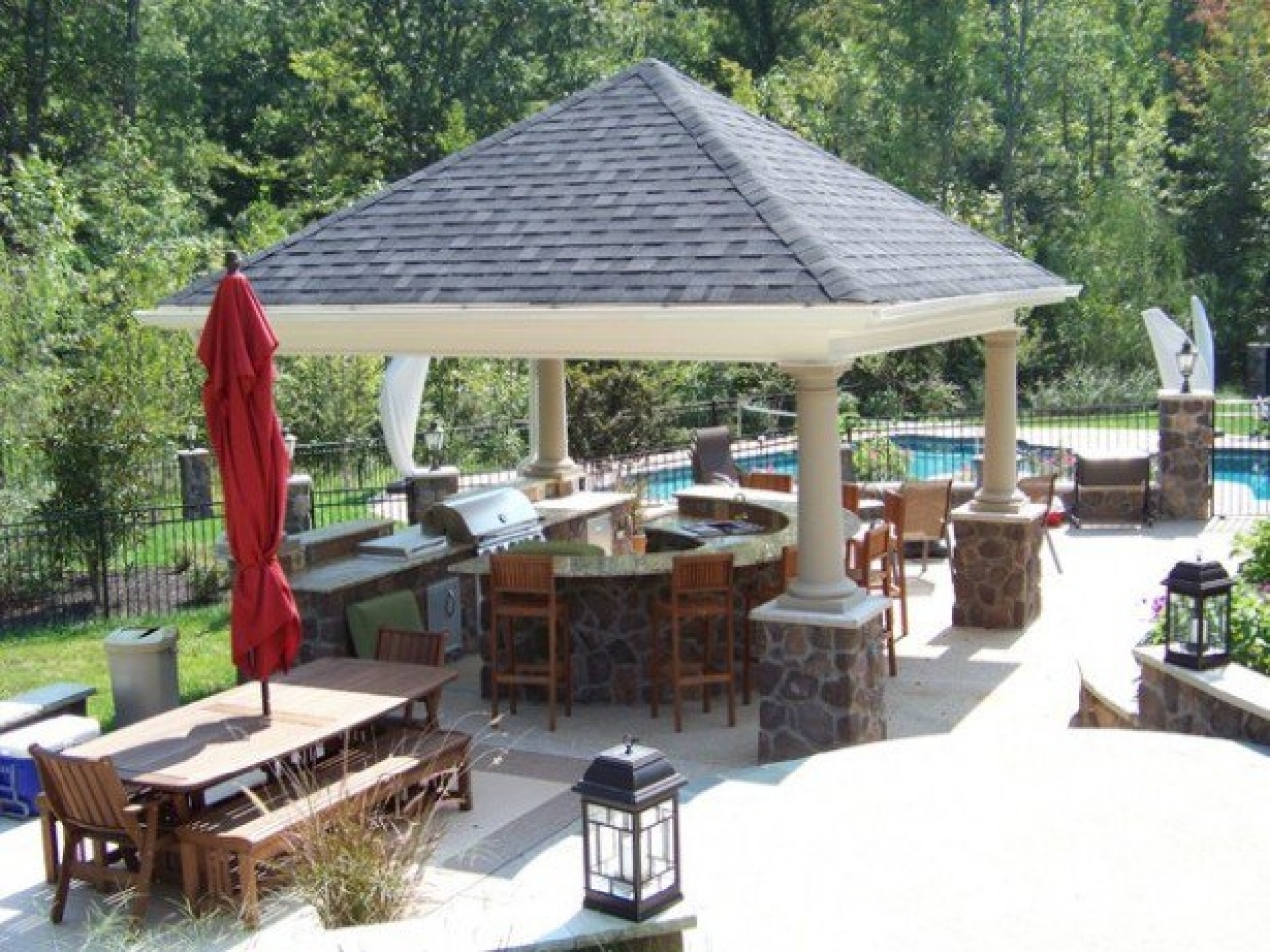 Image of: Easy Patio And Landscaping Ideas With Pergola And Bbq Grill