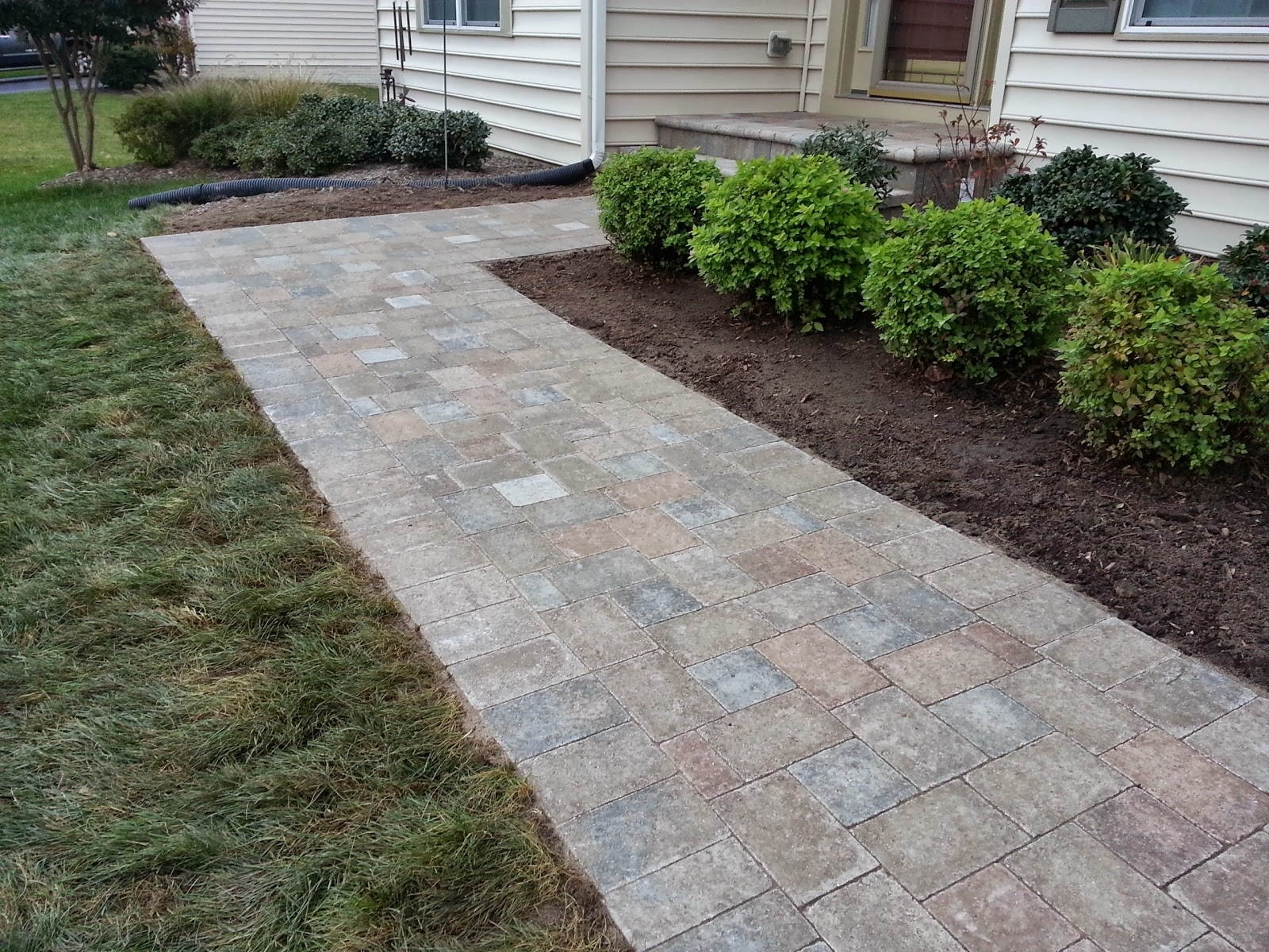 Image of: Brick Patio Paver Ideas