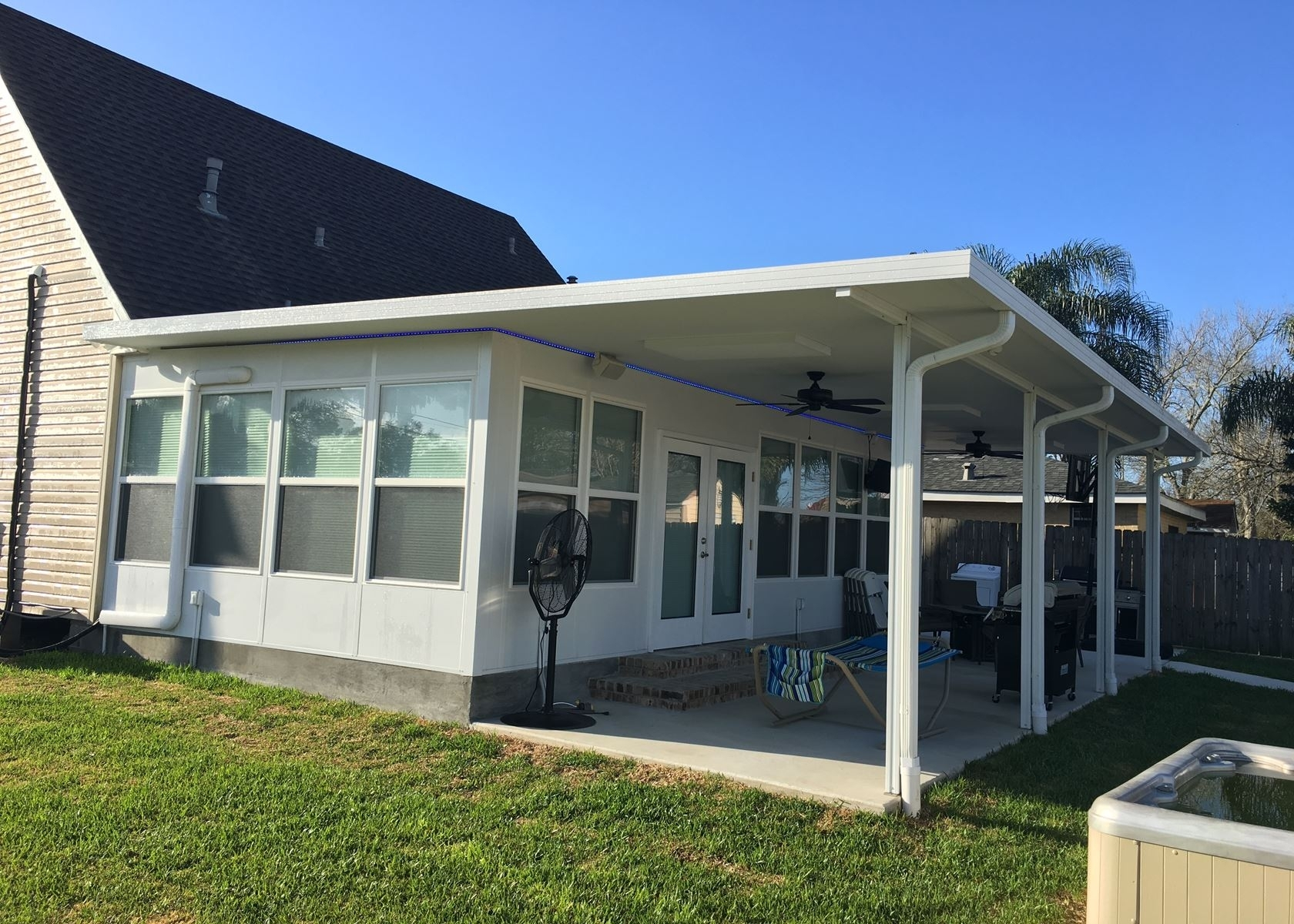 Image of: Diy Insulated Patio Cover Kits