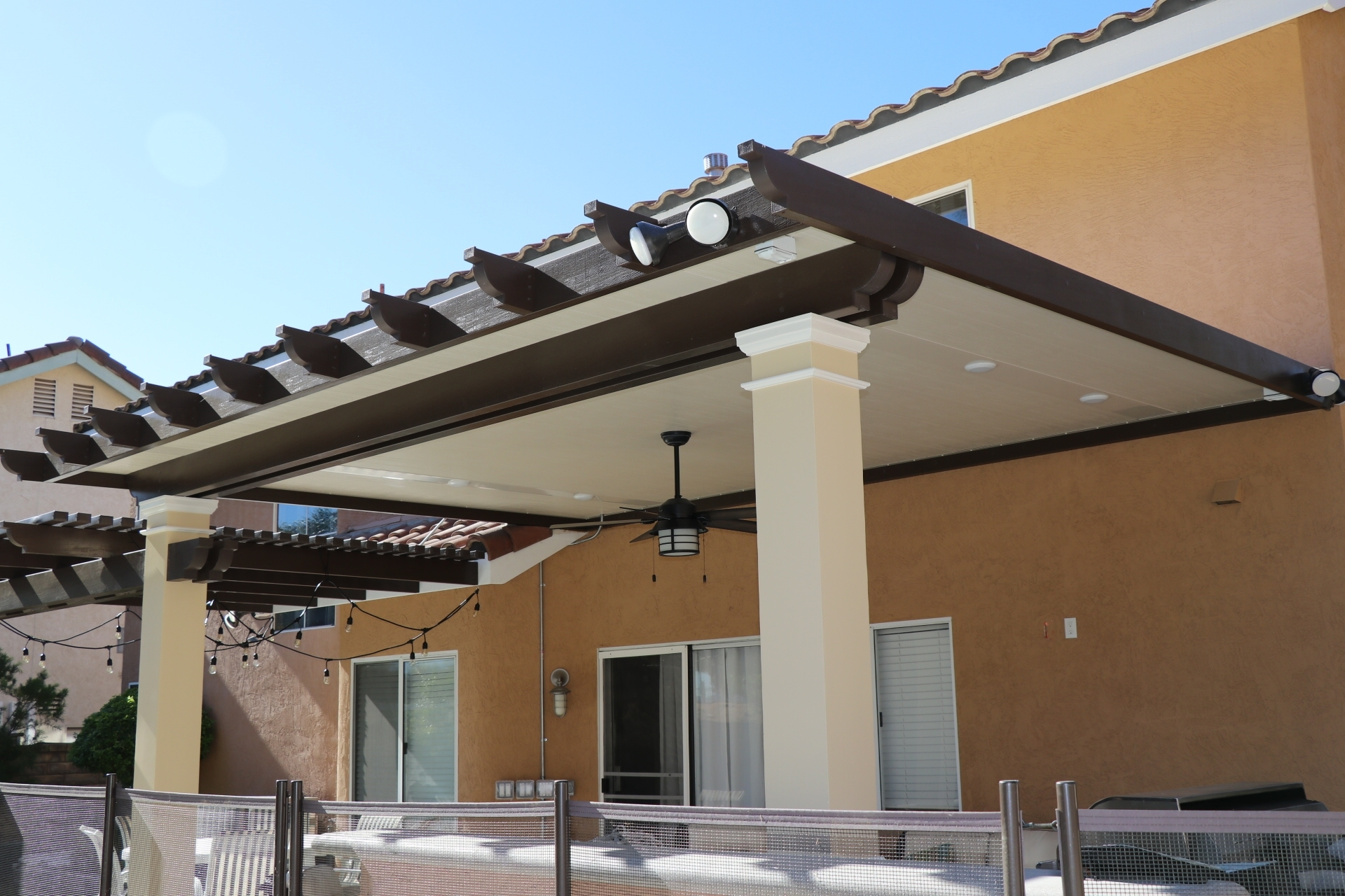 Image of: Elitewood Insulated Patio Cover