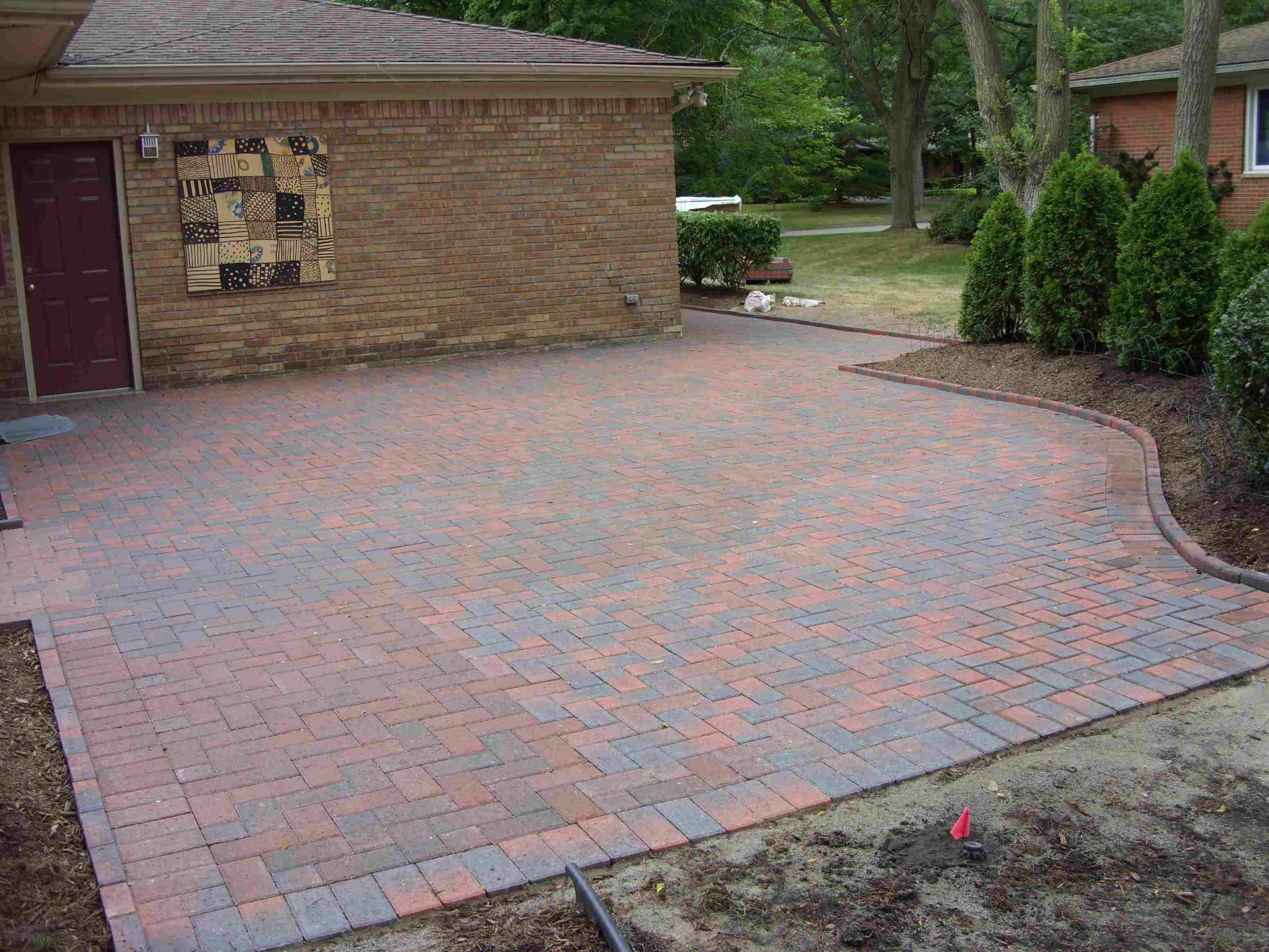 Image of: Ideas For Brick Paver Patio