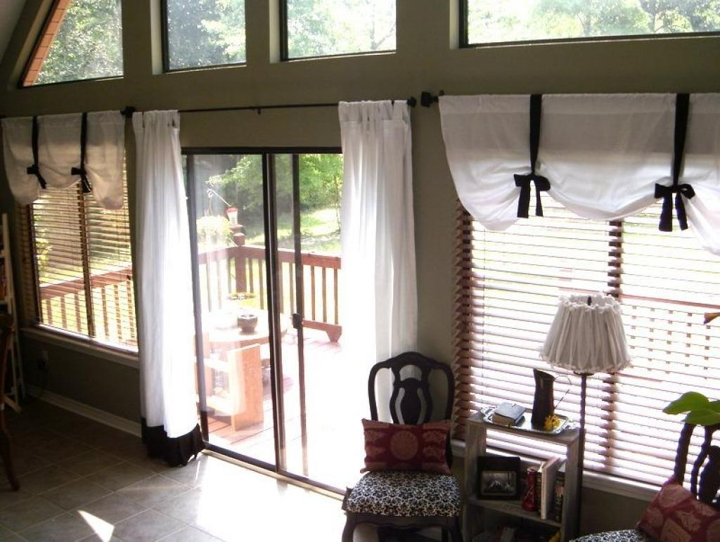 Image of: Kitchen Patio Door Window Treatment Ideas