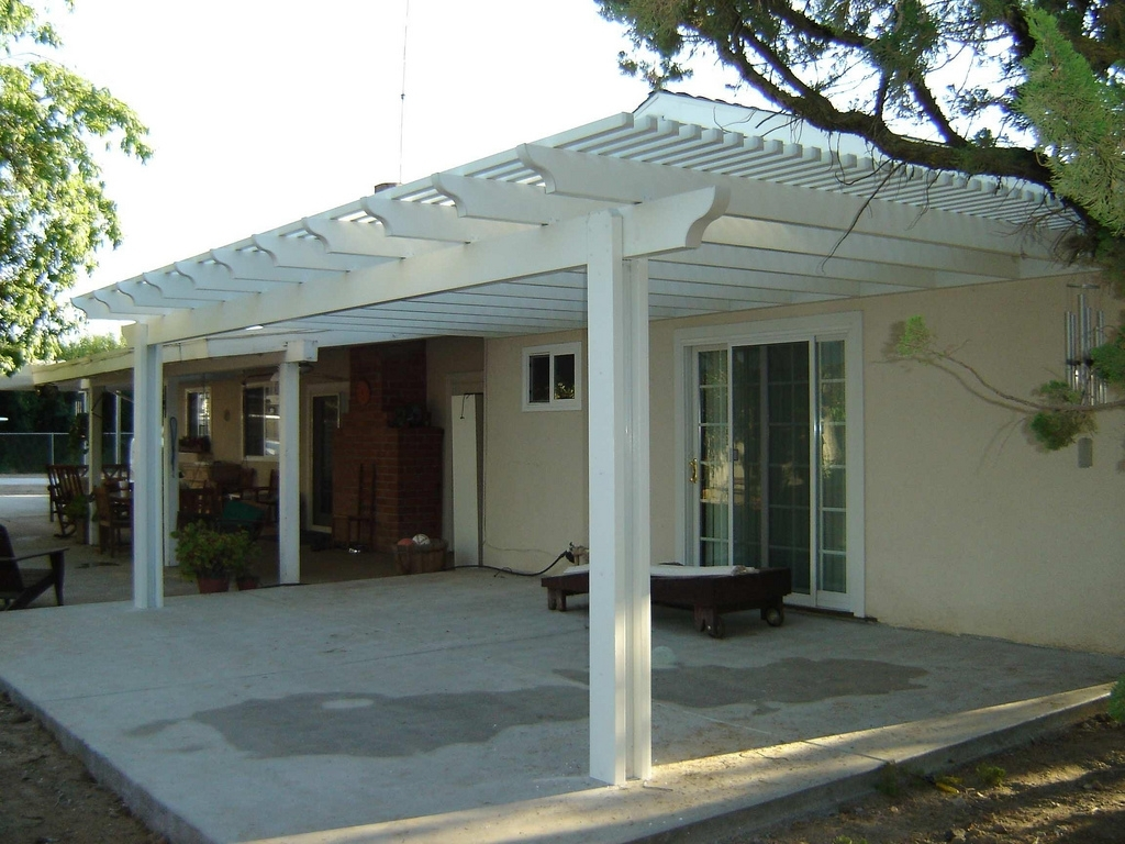 Image of: Nice Latice Patio Cover