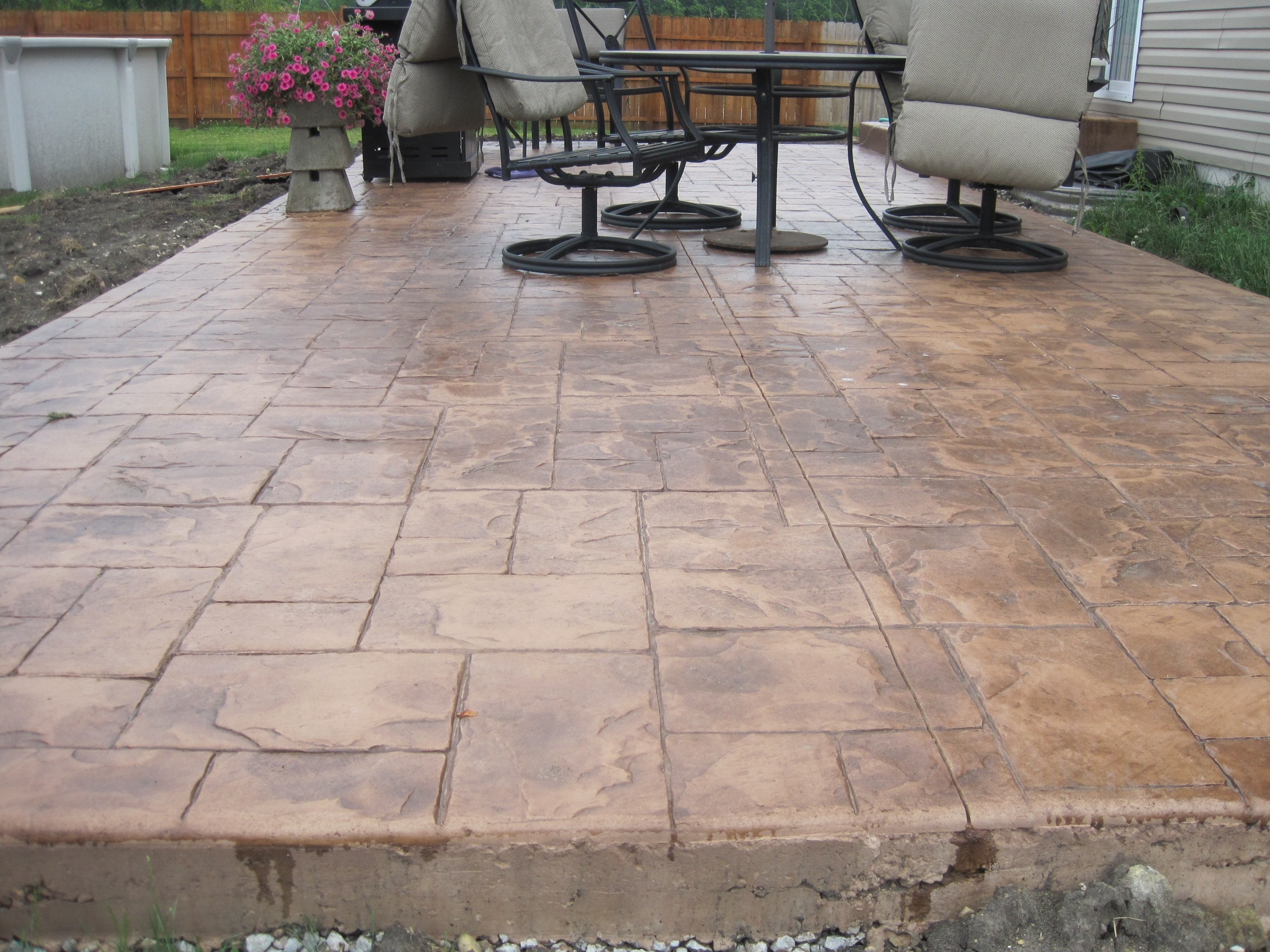 Image of: Outdoor Backyard Stamped Concrete Patio Ideas