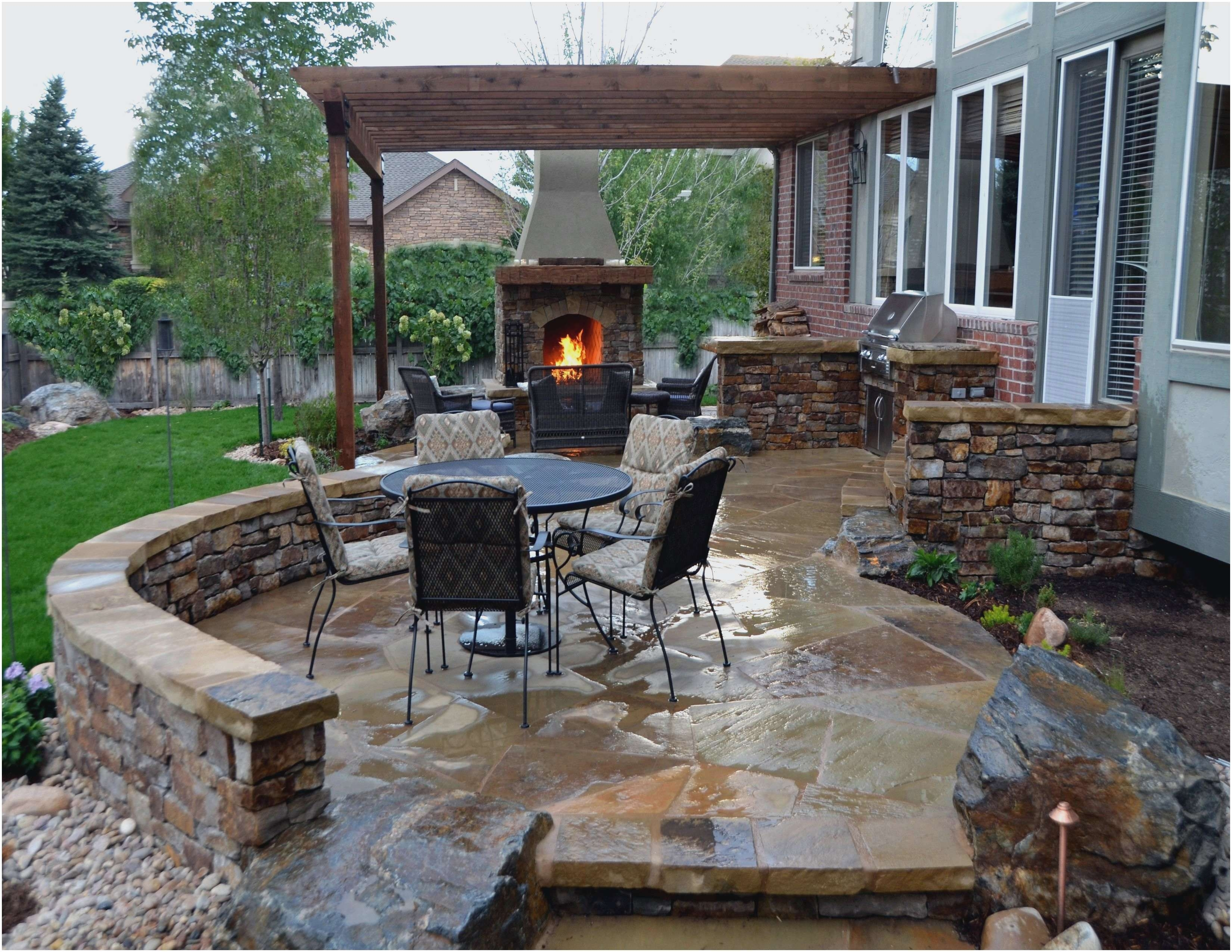 Image of: Patio Paver Ideas For Brick House