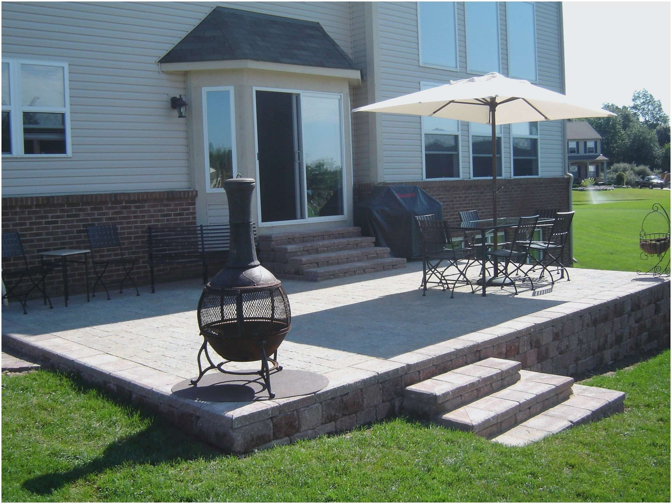 Image of: Paver And Brick Patio Ideas