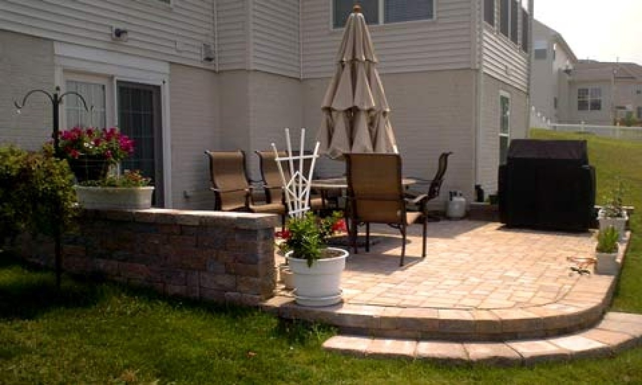 Image of: Small Townhouse Patio Ideas
