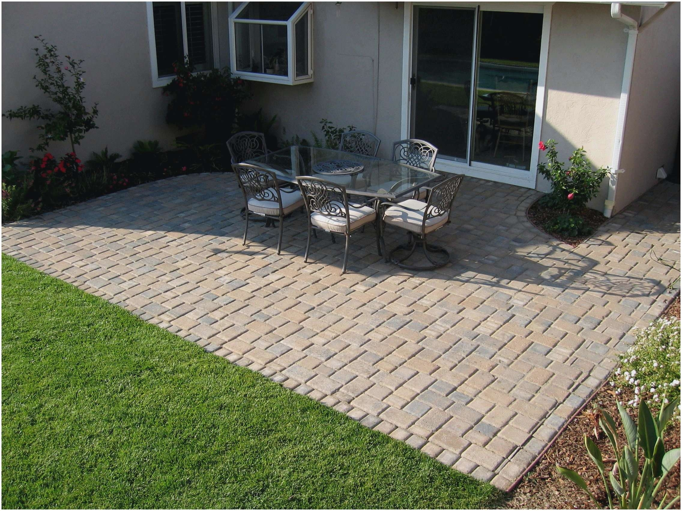 Image of: Stamped Cement Patio Ideas